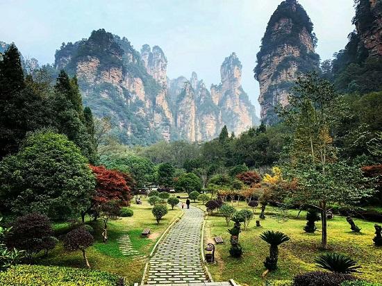 Huangshizhai Scenic Area
