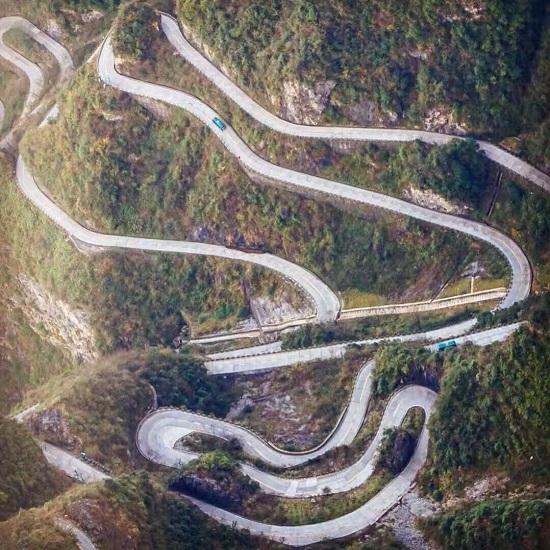 Zhangjiajie Tianmen Mountain 99-Bend Road
